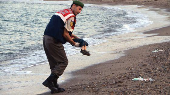 Niño sirio muerto