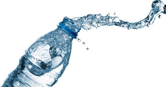 El mito de los dos litros de agua diarios