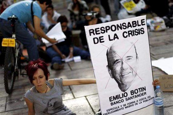 espana-protesta-crisis-miembros-de-la-plataforma-democracia-real-ya-realizan-sentada-en-malaga$0x381-L