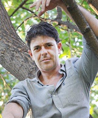 pablo-herreros-ugalde-presentador-de-yo-mono-el-mejor-morreo-de-mi-vida-me-lo-dio-una-chimpance_reference