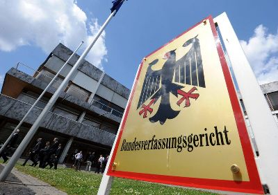 Se decide hoy en Karlsruhe: 700 mil millones de Euros (Act. II)