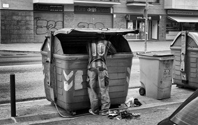 """Fisking al """"Culpables de ser pobres"""" de El País"""