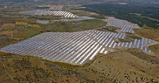 El timo fotovoltaico dispara el déficit eléctrico. Los datos reales del 2.009 desbordan nuestras previsiones