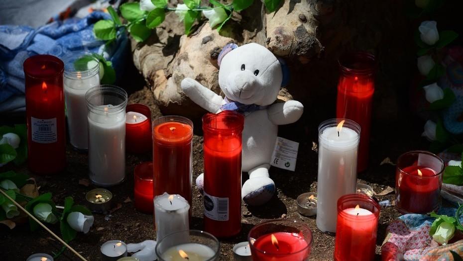 Contra el terror, velas y peluches